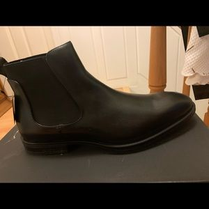 Kenneth Cole Black leather Chelsea boots
